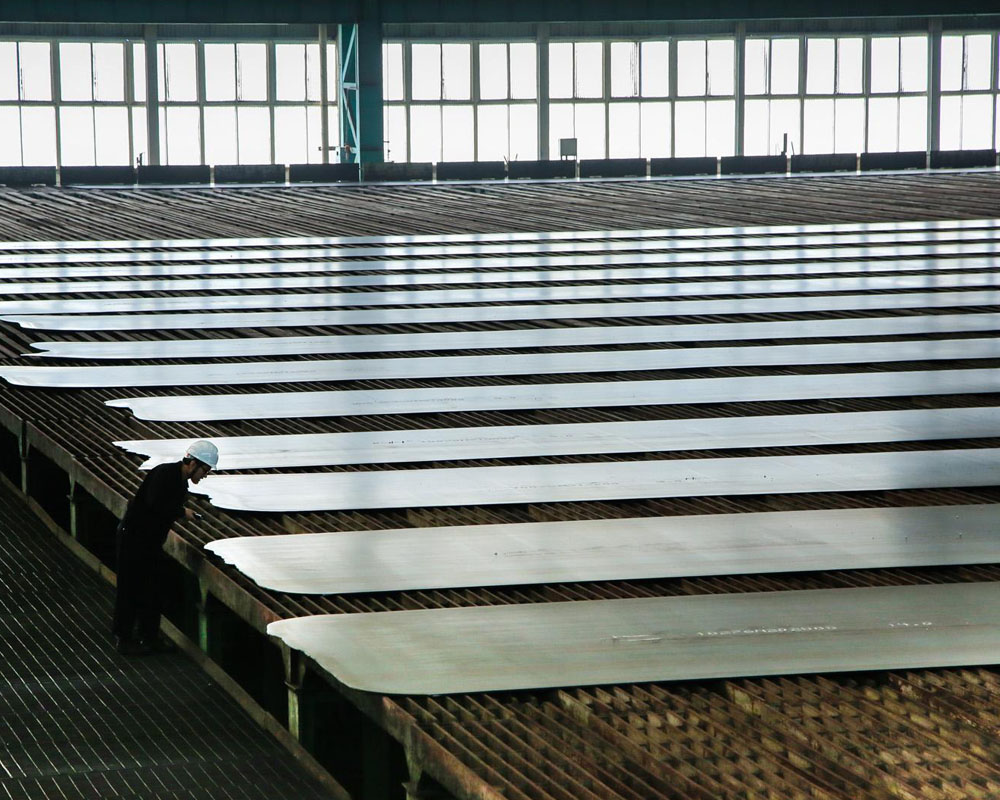 Bulk commodities under pressure as China steel prices plunge