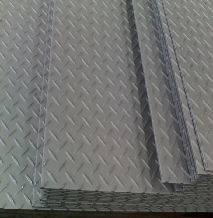High Quality Q235 Hot Rolled 6mm mild steel chequered plate